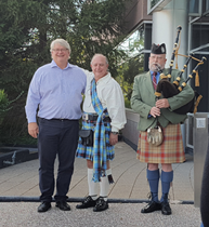 Bagpiper St Louis helps celebrate retirement